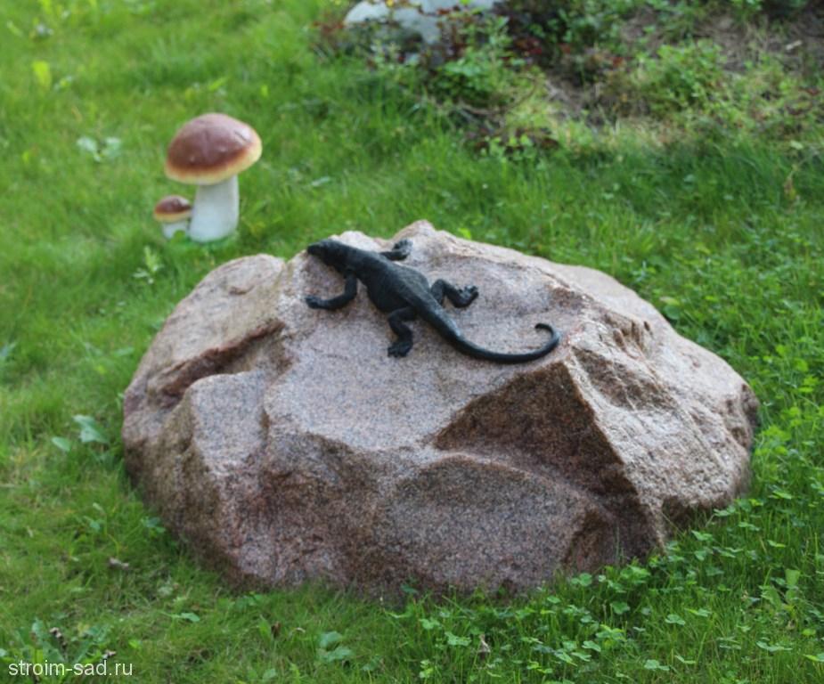 Искусственный камень-валун «Ящерица на камне» D-85