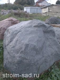 Искусственный камень-валун на газгольдер Люкс-Премиум
