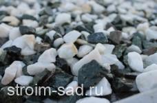 Декоративный щебень  микс (белый-зеленый) фр. 10-20 мм.