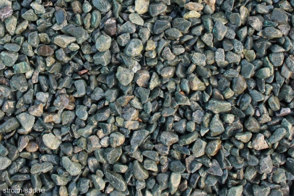 Щебень галтованый зеленый (змеевик) фр. 10-20 мм.