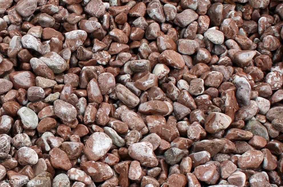 Щебень галтованый розовый (мрамор) фр.20-40 мм.