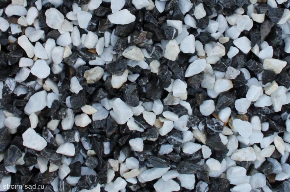 Декоративный щебень микс (черный-белый) фр. 10-20 мм.