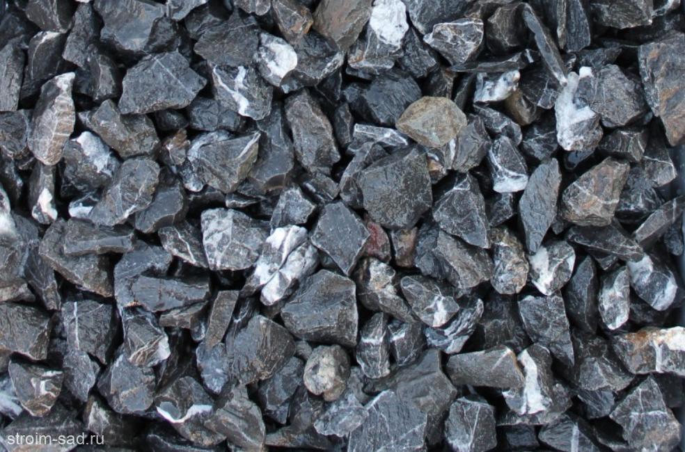 Щебень декоративный черный (мрамор) фр. 20-40 мм.