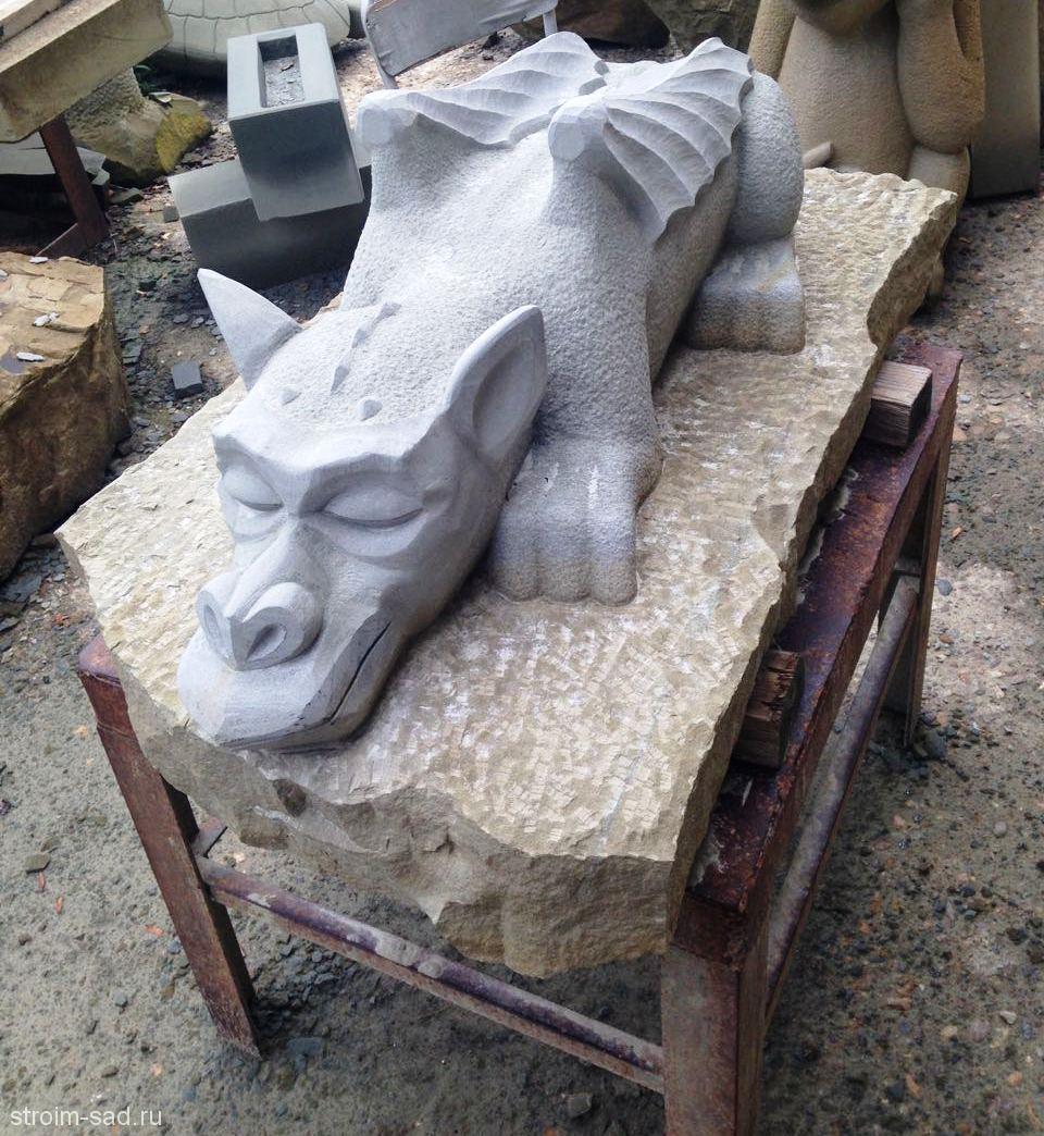 Каменная скульптура Спящий Дракон