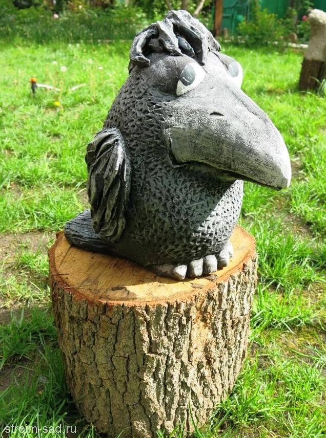 Авторская скульптура «Ворона»