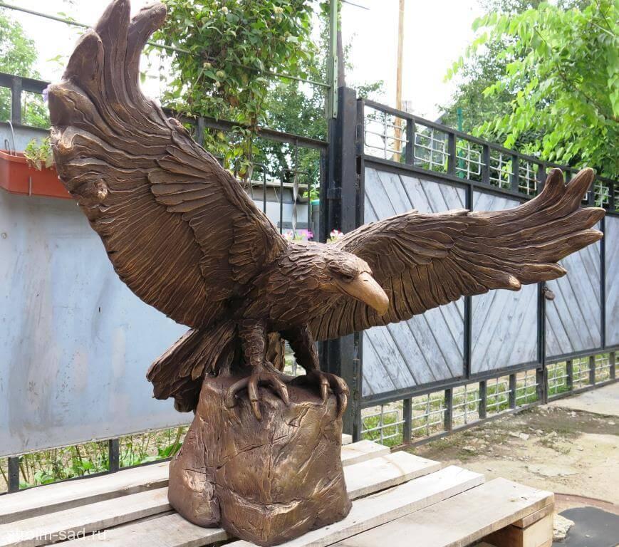 Авторская скульптура «Орел»