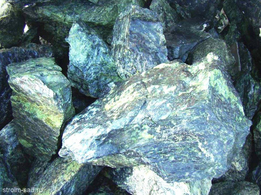 Серпентинит (змеевик)фр. 300-1000 мм. , 1 кг